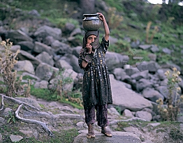 A Girl From Kashmir | A Water Carrier | Photo by Sergey Melnikoff aka MFF